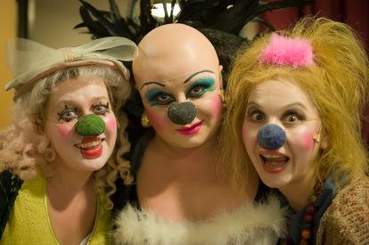 """Natasha Manor, Hana Laslo, Svetlana Demidova. """"Gesher's backstage / 2008"""""""